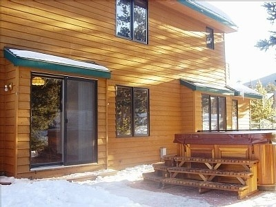 arctic-spas-hot-tub-matching-cedar-house2